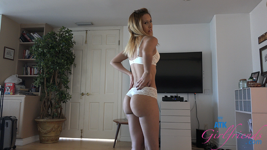 That ass makes you cum so fast when she's jerking you off